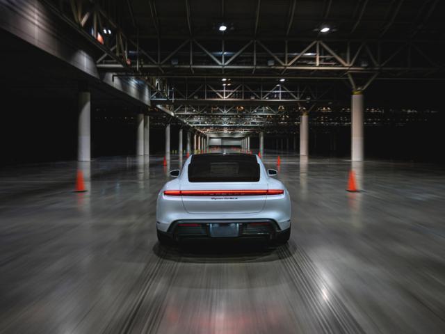 Porsche Taycan rápido récord
