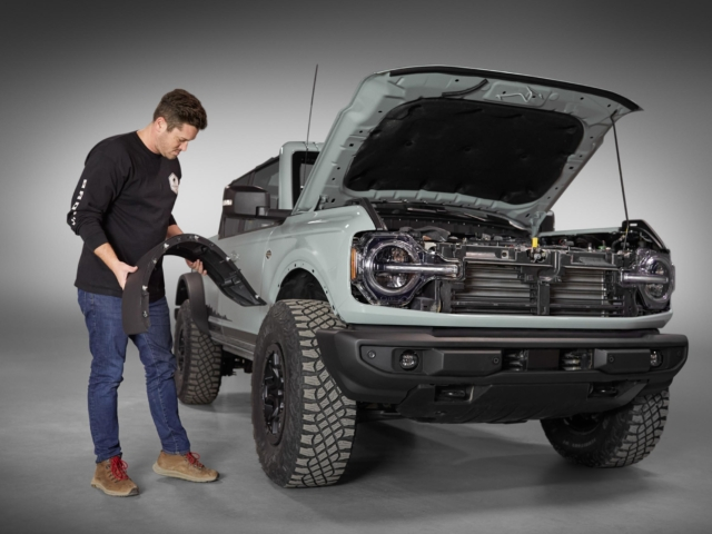 Ford Bronco 4