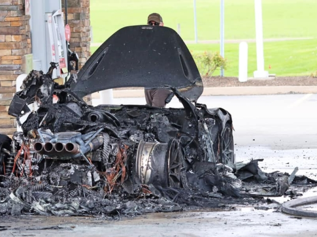McLaren 765LT incendió