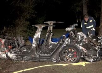 Tesla sin conductor accidente