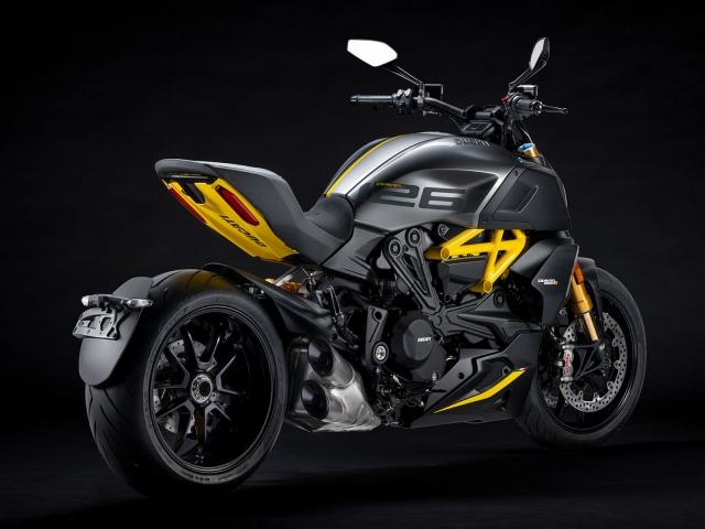 Ducati Diavel 1260 S Black and Steel 12