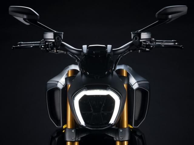 Ducati Diavel 1260 S Black and Steel 5