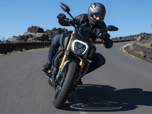 Ducati Diavel 1260 S Black and Steel 3