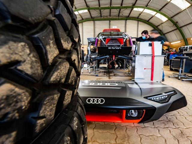 Audi RS Q e-tron Dakar 1