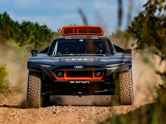 Audi RS Q e-tron Dakar 2