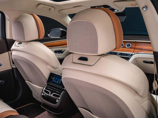 Bentley Flying Spur Odyssean Edition híbrido 4