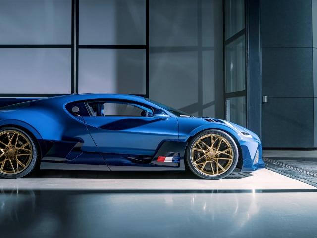 Último Bugatti Divo 3