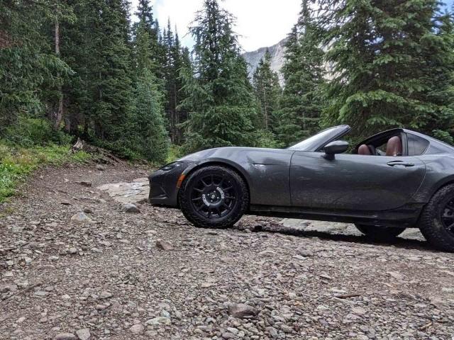 Mazda Miata offroad USA 5