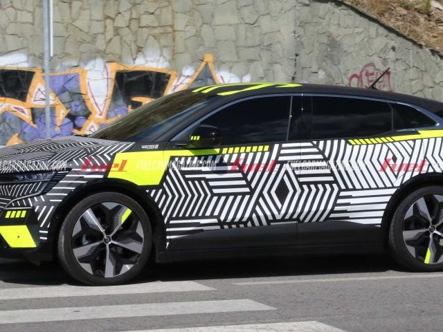 Espía Renault Megane E-Tech Electric 14