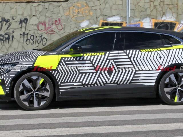 Espía Renault Megane E-Tech Electric 10