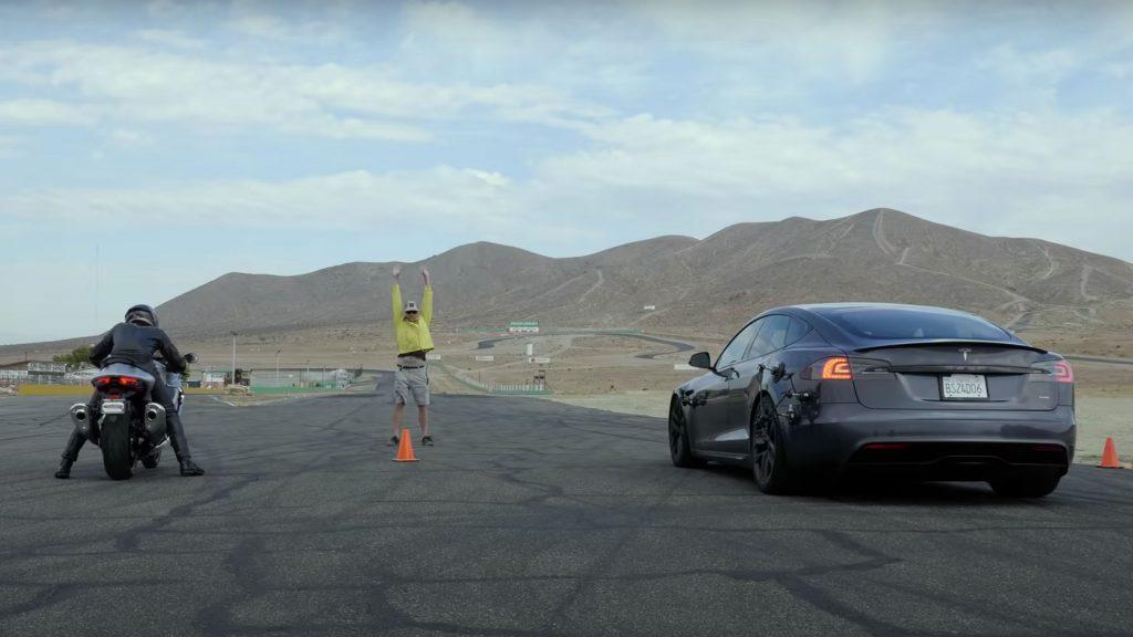 Tesla Model S Plaid vs Hayabusa vs Ninja 2